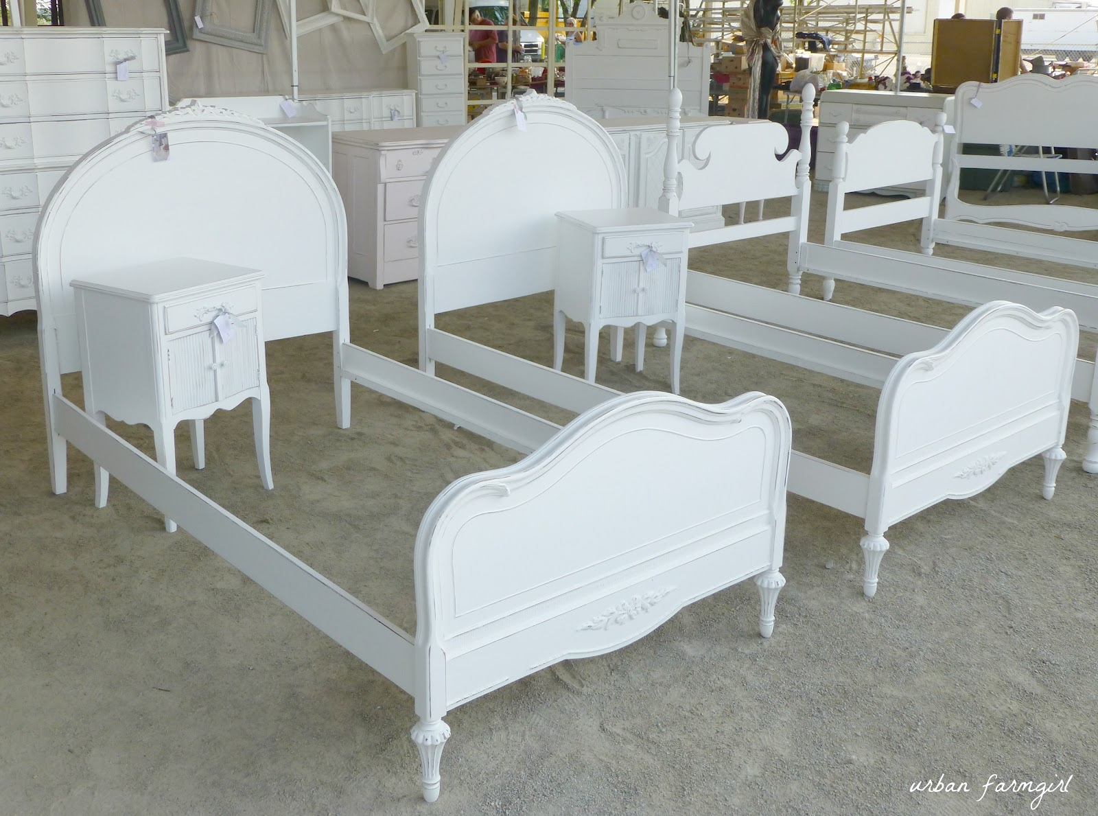 twin white headboard  clandestin, Headboard designs